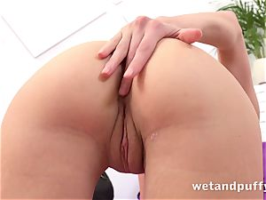 wet sugary-sweet cootchie with yoga honey Gina Gerson
