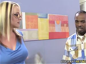 huge-boobed cougaree Siren loves double intrusion