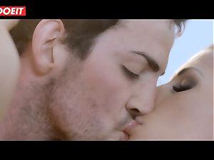 Spanish sex industry star babe Alexa Tomas gets jizz in jaws