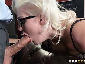Smoking steamy blondie Jenna Ivory in black lingerie
