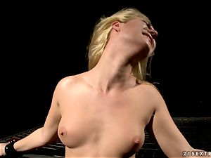 crazy Katy Borman pegs this broads flappy fanny lips