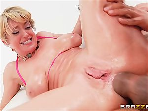Dee Williams nailed ballsack deep in her butt