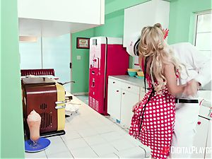 Milkman humps Pin-Up housewife Kayla Kayden