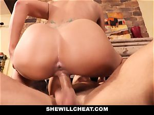 hotwife hubby witnesses Wifes cootchie Get wrecked