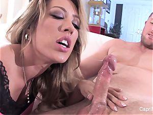 splendid Capri gets a deep shaft and a fountain on her face