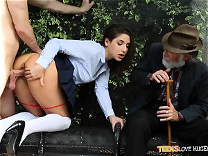 jokey situation of cootchie slammed daughter and her grandpa observes at bus stop - Abella Danger and Bill Bailey