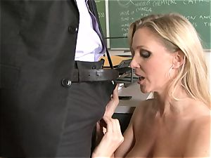 promiscuous bawd Julia Ann luving her man's rafter badgering her slippy throat