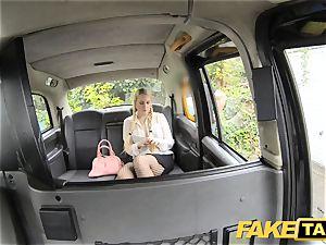 faux cab blond luvs elder folks in backseat of taxi