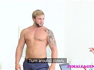 FemaleAgent Bodybuilder plumbs spectacular platinum-blonde agent
