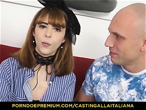 audition ALLA ITALIANA - skinny babe takes rod like pro