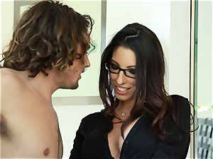 Taylor Reed pounds her fellow with Dava Foxx