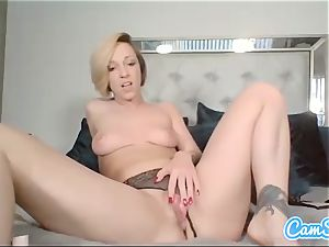Buttplugged honey frigs