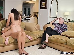 female on rim job and pierced riding the old salami!