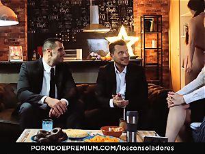 LOS CONSOLADORES - Cassie Fire intense duo foursome