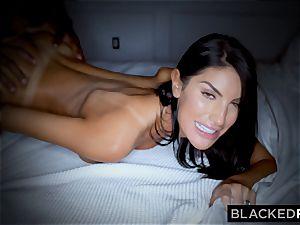 BLACKEDRAW gorgeous steamy wife likes to rim ebony bulls in hotels